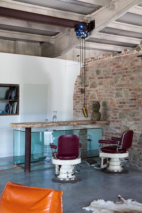 Binnenkijken-industriele-loft-vakantiewoning-industrieel-interieur-stoer-wonen-industriele-woonkamer-1