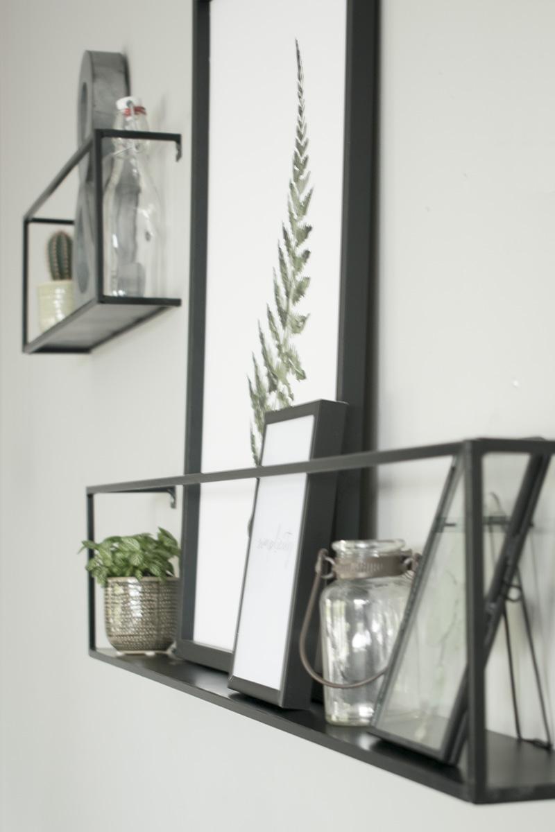 Decoreren-stylen-wanddecoratie-wandplankjes-detail