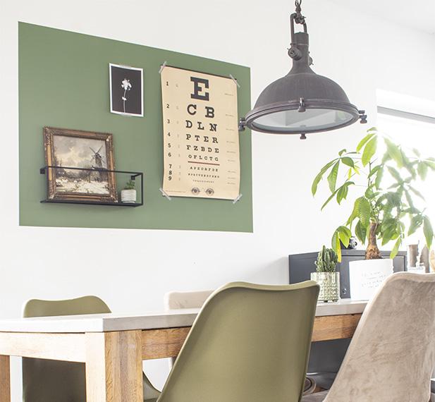 Vlakken op muur verven groen vlak op muur vlakken op de muur groene muur woonkamer groene muurverf diy verfproject kleuren groen muur