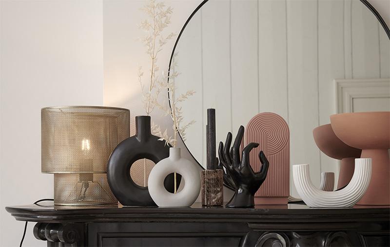 Vaas-vazen-zwarte-vaas-grijze-vaas-ronde-vaas-pampasgras-vaas-grote-vaas-droogbloemen-vaas-grote-vazen-decoratie-mooie-vazen-vaas-zwart-plant-in-vaas