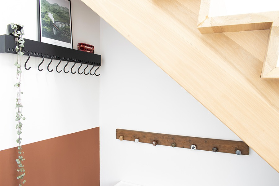 Hal diy kapstok zwarte kapstok scandinavisch design roestbruin cheeky chestnut woonblog