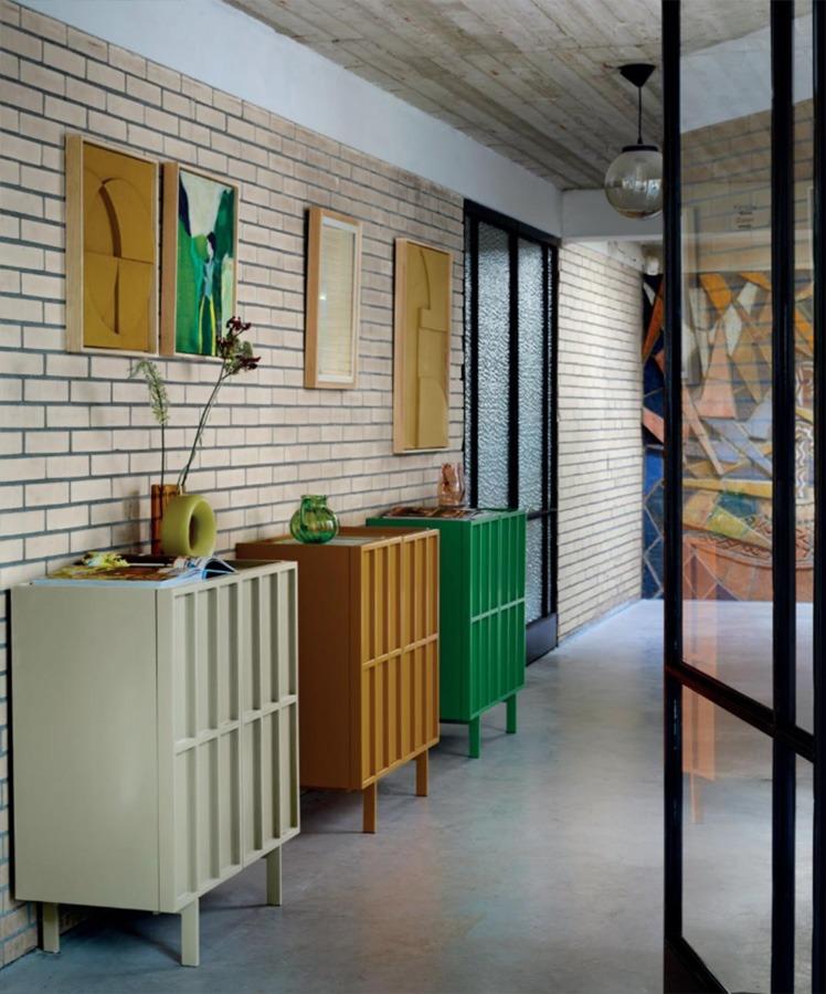 kleur in huis kleurrijk interieur okergele muur woonkamer kleuren in huis 2021 meer kleur in huis kleurrijk wonen kleurrijkwonen kleur muur woonkamer woonkamer kleuren 2020 nieuwste kleuren woonkamer kleur woonkamer warme kleuren woonkamer woonkamer kleuren woonkamer schilderen in twee kleuren